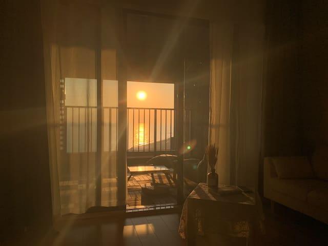 保利金町湾高层海景房「壹伽民宿」海边舒适简约的高层海景公寓