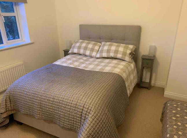 Double Room in Warboys (1 of 2)