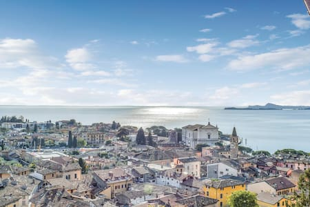 Holiday apartment with 1 bedroom on 60m² in Toscolano Maderno (BS)