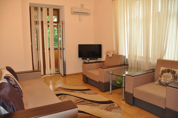Comfortable 3-rooms apartment. Center of Kiev