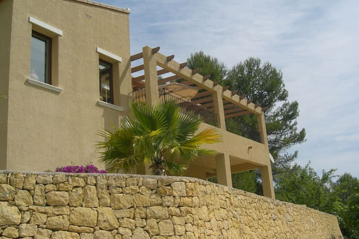 Peace and Privacy in Beautiful Villa at the foot of the Caballo Verde