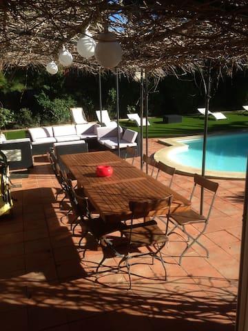 Jolie petite maison  avec piscine - Sainte-Maxime - Hus