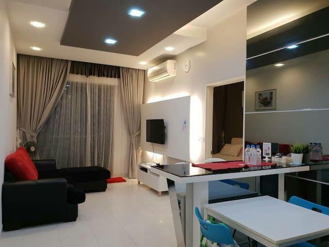 Wifi/Movie ch/Balcony PoolView/Tropics@3 Damansara