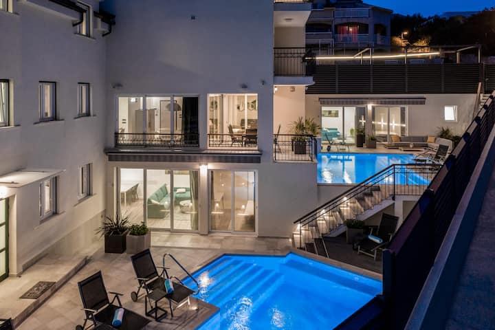 Superior apartment, terrace, pool view