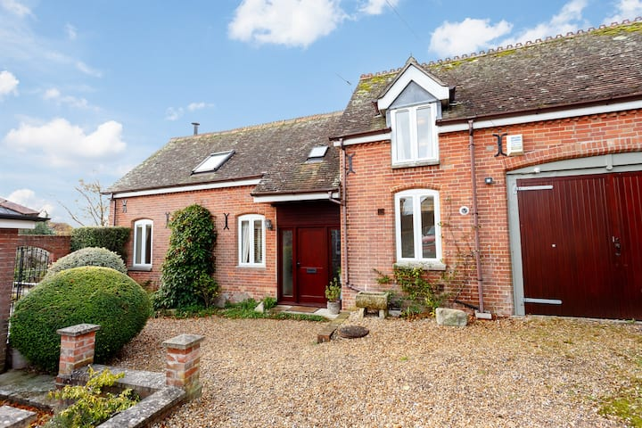 Coach House, cosy family home with log burner