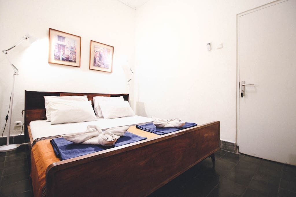 Comfortable Private Room Sleeps Two