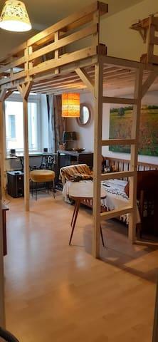 kleines, gemütliches Zimmer