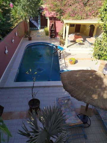 Warang :Chambre privée avec accès piscine