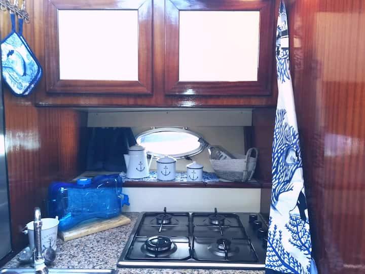 Costanza Boat Prua