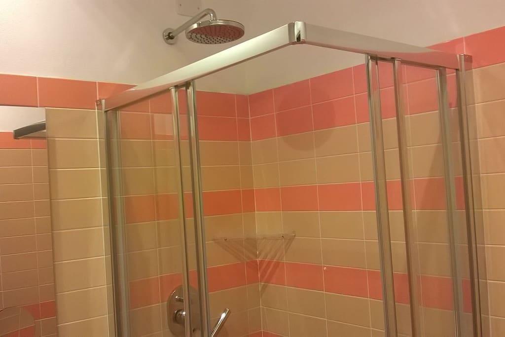 doccia del bagno privato