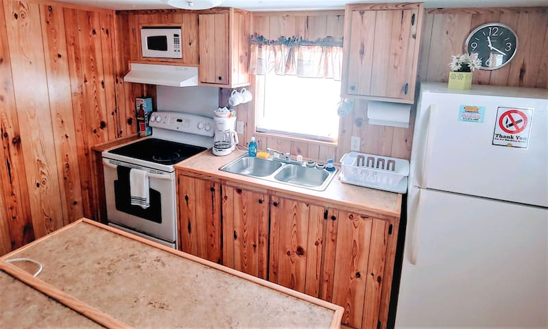 Family Bunk House (Sleeps 5)
