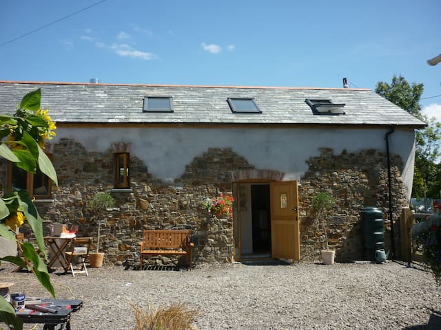 Stonechat Barn - 2-beds Cornwall/N. Devon border