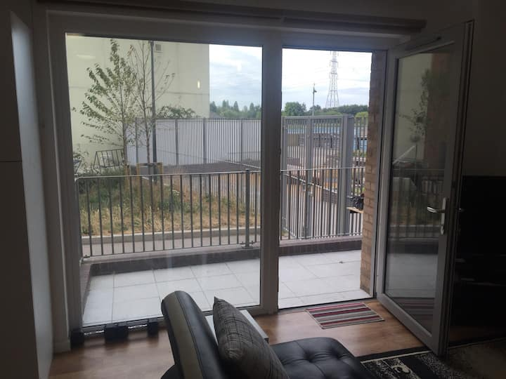 A Stunning Apartment close to Barking Town Centre