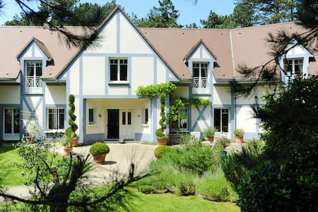 Luxury Hardelot Golf Course Villa for 19 people - Neufchâtel-Hardelot - 獨棟