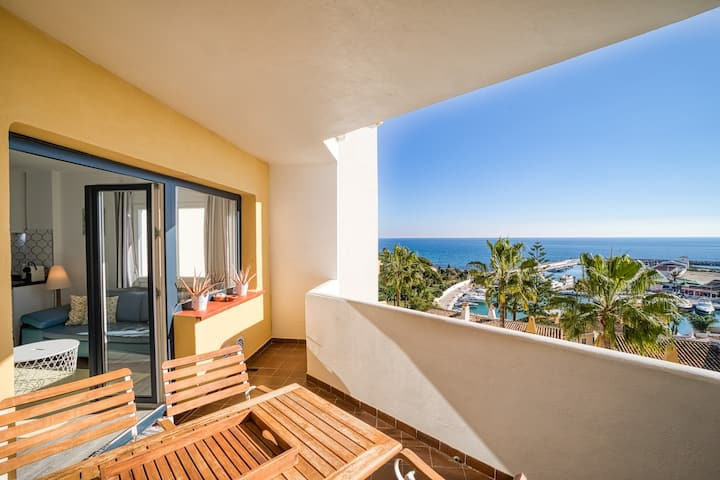 Puerto Cabopino Marbella - port and sea views