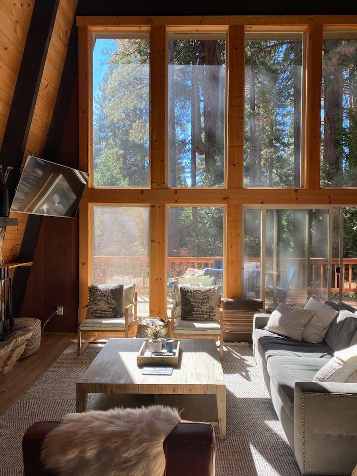 Cedar House: Newly renovated Dollar Point A-Frame