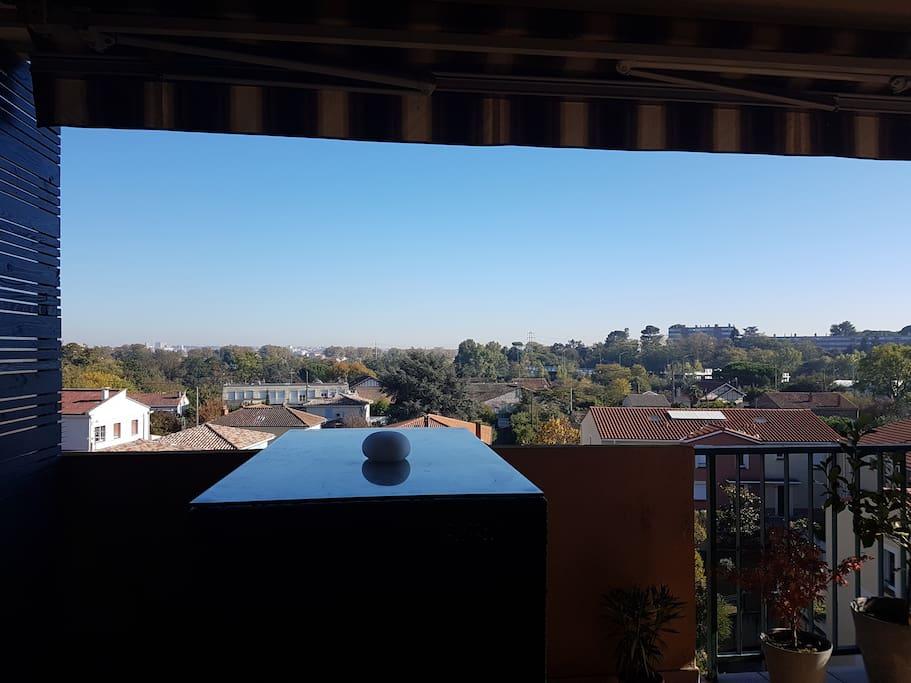 Très agréable vue dégagée sur Toulouse, sans vis à vis