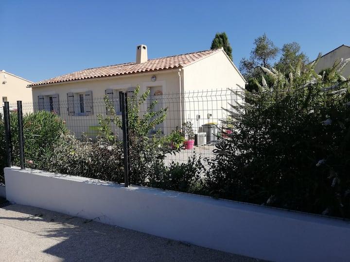 Maison  avec piscine privée au pied du Ventoux