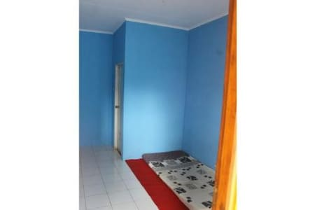 Enjoy Place Andi Putra Kost - Cikole - Appartement