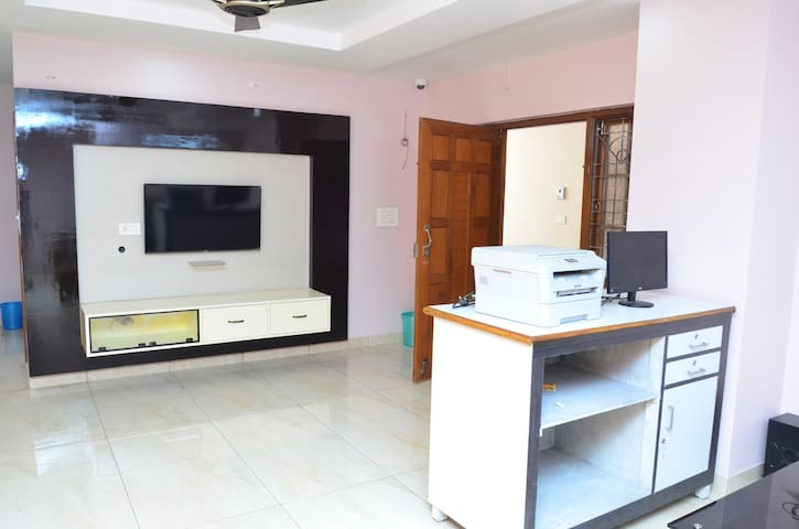 SREE SAI SURYA LUXURY SERVICE APARTMENT
