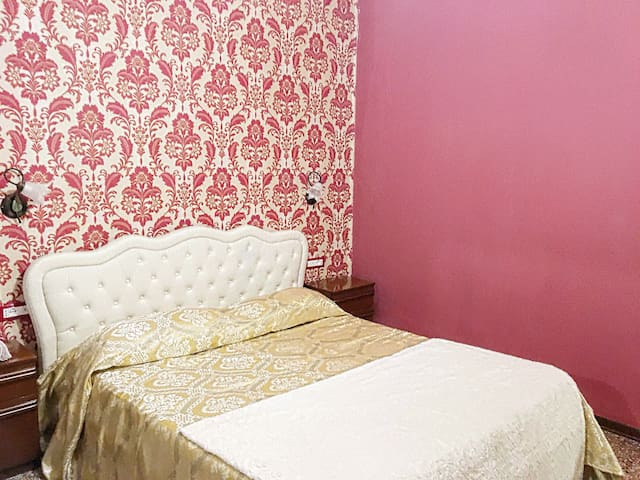 Magic Venice in Rooms for friends ! RED - Veneza - Apartamento