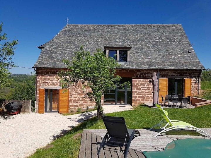 Périgord, Corrèze: Très belle maison avec piscine.
