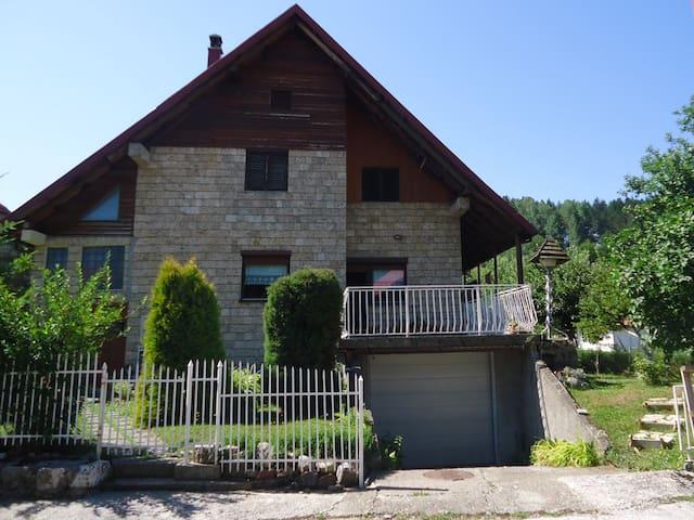 Duka's apartment