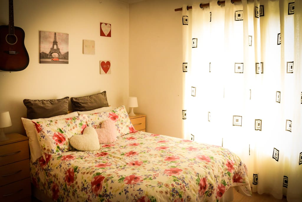 Cosy private ensuite room in dublin city centre for Best private dining rooms dublin