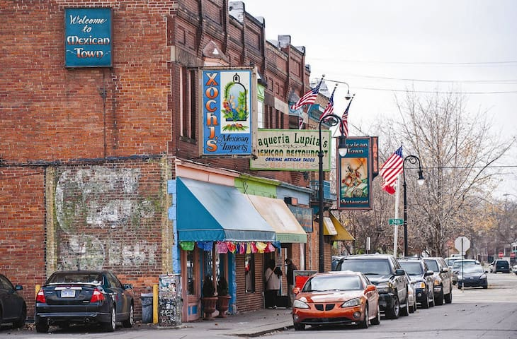 Mexicantown Business District - Bagley Avenue
