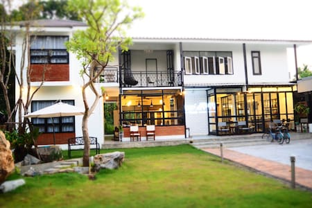 Sherloft Home and Hostel (Unit A) - Chiang Mai - Casa