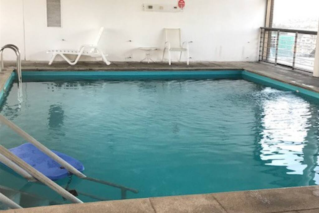Rica piscina temperada para cualquier hora de relax