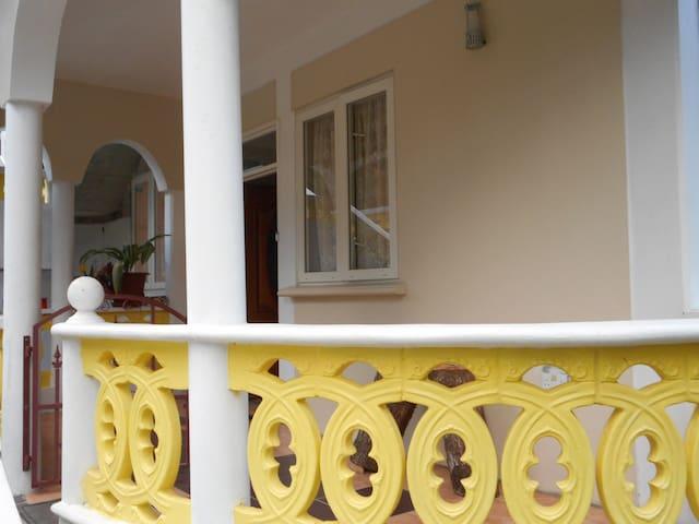 CELIA'S VILLA CASTLE COMFORT - Roseau - Casa