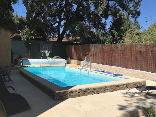 Propriété de charme  avec piscine chauffée