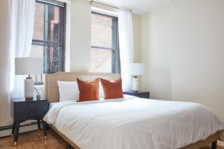 Airy, Modern 1BR sleeps 4 downtown Boston