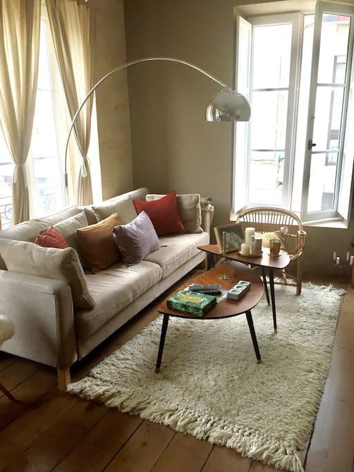 Superbe t2 hyper centre appartements louer bordeaux for Appartement a louer bordeaux centre t2