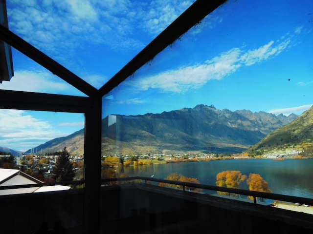 Double room, lake & mountain views - Queenstown - House
