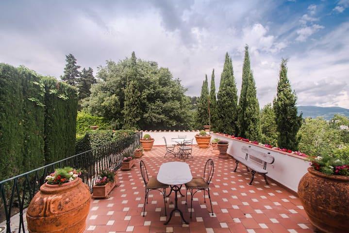 """Villa """"La Serena"""" with Terrace and Garden"""