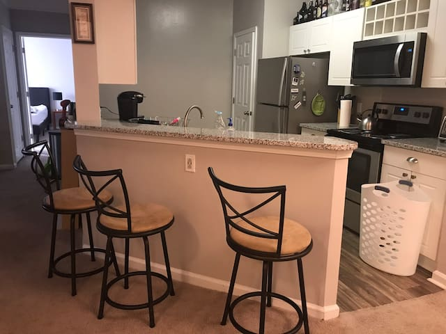 Clean And Quiet Two Bedroom/Bath Apartment