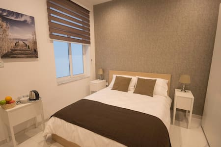 Brand new Modern double bedroom & private bathroom