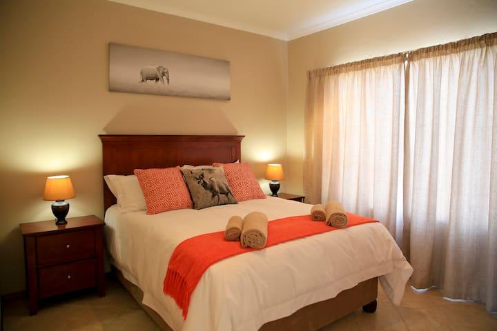 African Eagle Apartments - Eden Gardens - Benoni - Appartement