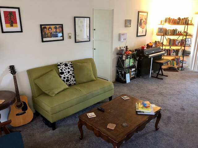Close to Beach, Retro Row, & DTLB—No Cleaning Fee!
