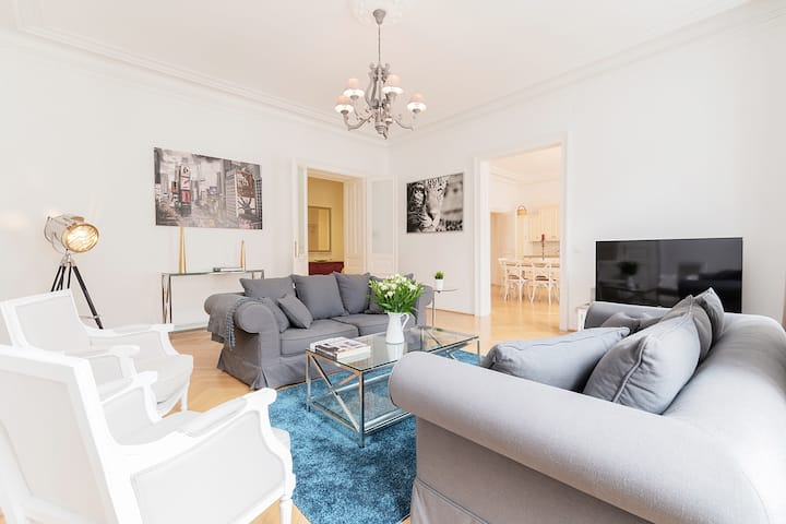 elegant Appartment near Karlsplatz