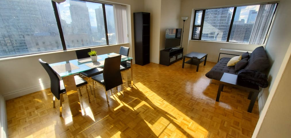 Fully Furnished Spacious Apartment in Downtown