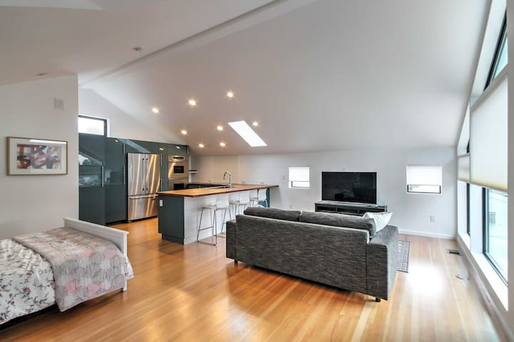 Modern Denver Studio Apartment in the Highlands!