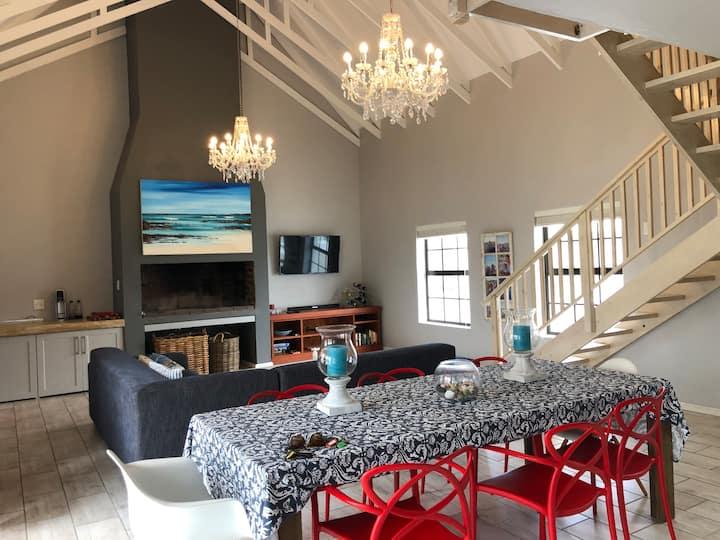 40 Freesia - Lovely family home