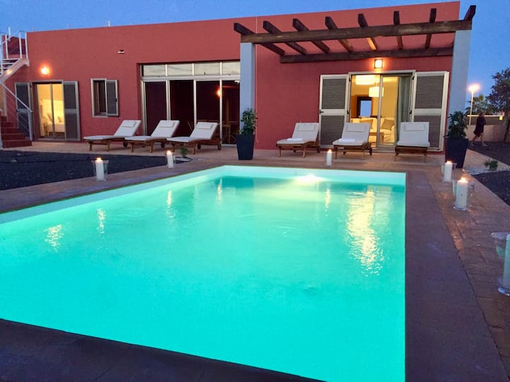 Villa Paradise...Private HEATED pool and WIFI.
