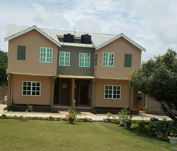 Residence Ave Maria Hse Olayinka