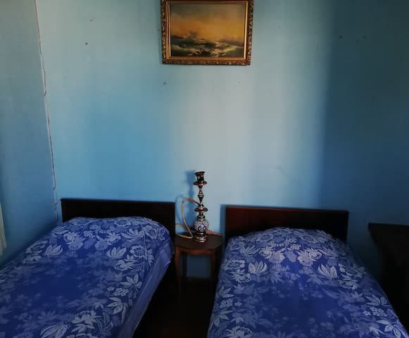 Just a good room