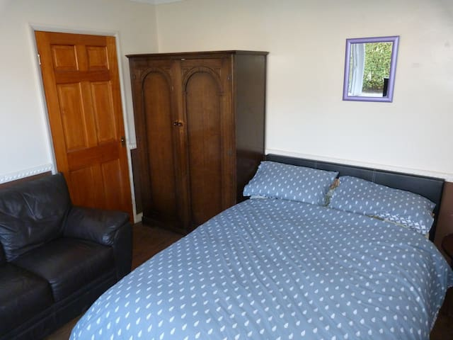 Double bedroom, immediate access to countryside