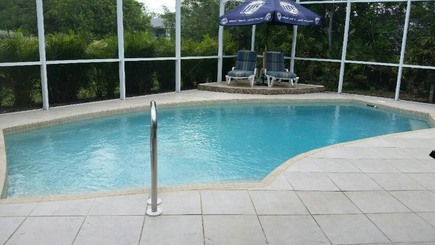 Cozy & Cool with Private Pool - Punta Gorda - Haus
